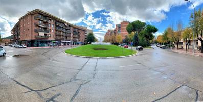 En Venta piso de Wilcox en Plaza de Navarra, Reformado. 3 Dormitorios, 2 Baños Completos, 2 Terrazas. photo 0