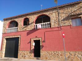 Casa en venta en Almendralejo photo 0
