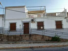 Casa en venta en Villalba de los Barros photo 0