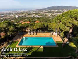 Villa En venta en Cabrils photo 0