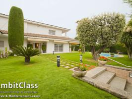 Villa En venta en El Masnou photo 0