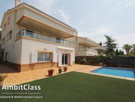 Villa En venta en Vilassar De Dalt photo 0