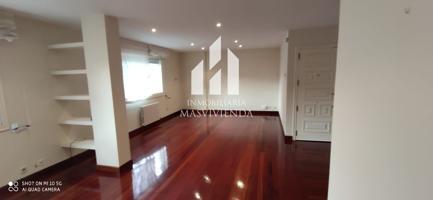 Piso en venta en Pontevedra, con 134 m2, 3 habitaciones y 2 baños, Garaje, Ascensor y Calefacción Gasoil. photo 0