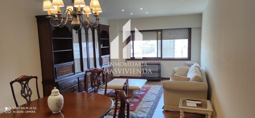 Piso en venta en Vigo, con 120 m2, 4 habitaciones y 2 baños, Garaje, Trastero y Ascensor. photo 0