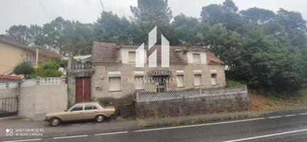 Casa en venta con 160 m2 y 4 habitaciones y 2 baños. photo 0