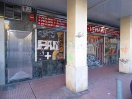 Local En venta en Calle Cánovas Del Castillo, Alcalá De Henares photo 0