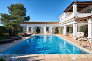 Casa En venta en Sotogrande Costa, La Alcaidesa photo 0