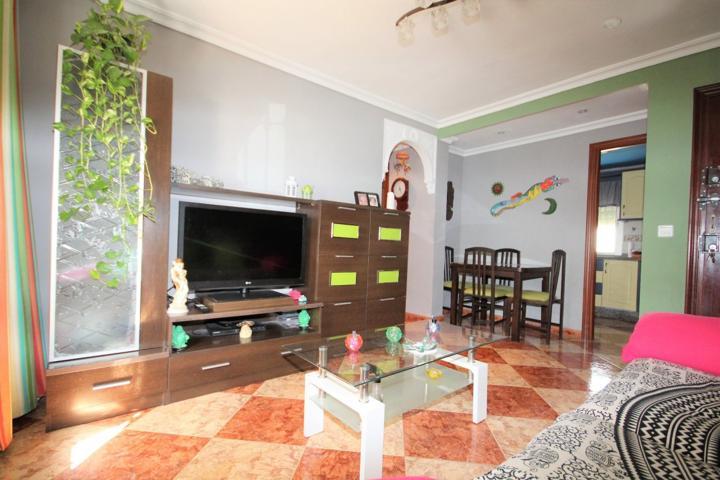 Piso amplio en Polígono San Pablo con dos dormitorios. photo 0