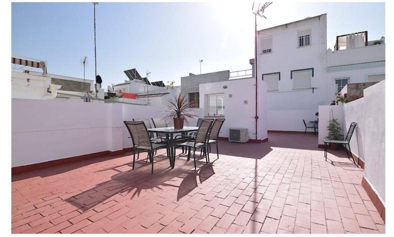 a5b0fb2715cd Pisos y Casas a la Venta en Calle Ruperto Andúez - Nerja (Málaga ...