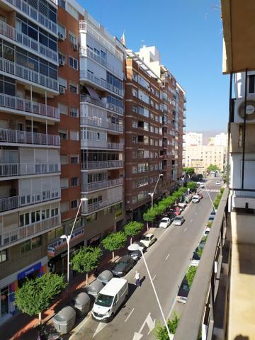 Piso En venta en Calle De Altamira, 1, Almería Capital photo 0
