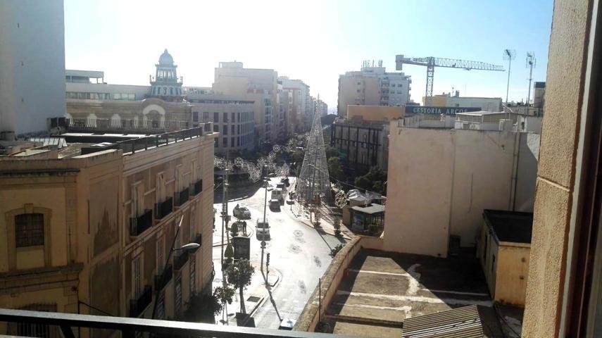 Piso En venta en Avenida De Pablo Iglesias, Almería Capital photo 0