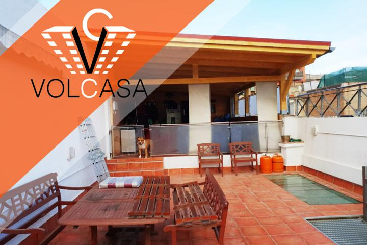 Chalet con licencia turística El chalet de 235m2 construidos, cuenta con dos viviendas independientes, cada una con su acceso. photo 0