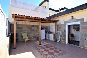 Venta de fantástico piso-duplex muy luminoso, exterior con vistas despejadas. photo 0