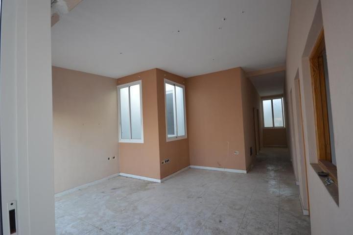 Magnífico piso de 3 habitaciones en La Salud Bajo. photo 0