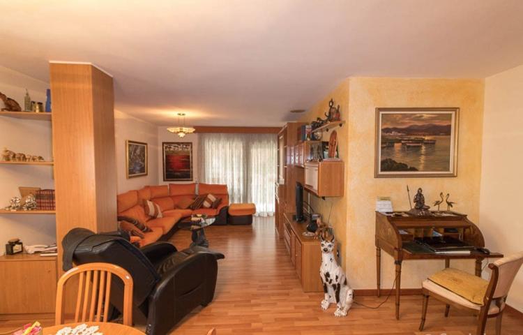 Piso de 108 m2 en Venta en Figueres photo 0