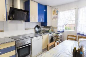 Casa - Chalet en venta en Alcalá de Henares de 190 m2 photo 0