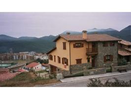 Villa En venta en Borredà photo 0