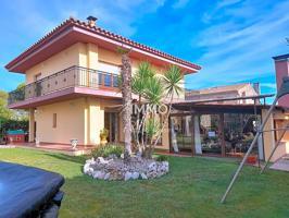 Magnifica casa con gran jardín en Camallera photo 0