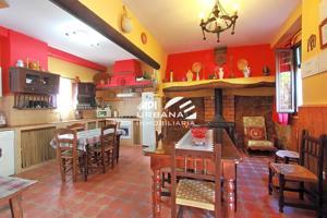 Casa - Chalet en venta en Carcabuey de 200 m2 photo 0