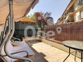 One Inmobiliaria ofrece acogedor dúplex en estupendo residencial con piscina en La Eliana. photo 0