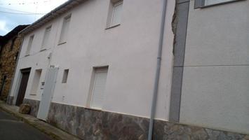 Casa en venta en Castrocontrigo, 4 dormitorios. photo 0