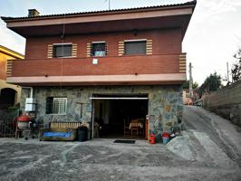 Casa - Chalet en venta en Abrera de 216 m2 photo 0