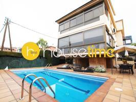 Casa En venta en Alella, Alella photo 0