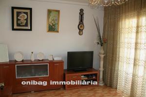 Casa En venta en Calle Sant Ermengol, Abrera photo 0