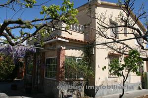 Casa En venta en Carrer Tarragona, Abrera photo 0