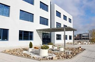 Oficina en venta en Alcalá De Henares de 70 m2 photo 0