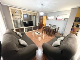 Vivienda esquinera con garaje, se encuentra situada en zona Rio Turia de Quart de Poblet photo 0