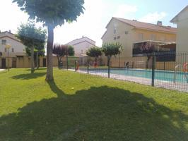 Villa En venta en Urb. Guadiana, Badajoz photo 0