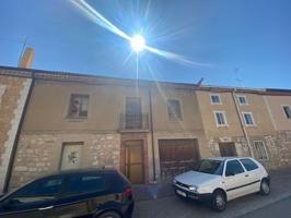 Adosado en venta en Buniel, con 170 m2, 4 habitaciones y 1 baños y Calefacción No tiene. photo 0