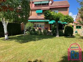 Casa En venta en Santander, Villaquilambre photo 0