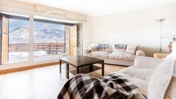 Exclusivo piso céntrico en Formigal con vistas panorámicas. photo 0