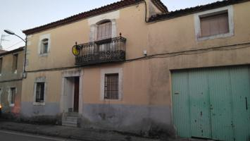 VENTA de casa en Olombrada. Patio. 5 dormitorios. Parcela de 189 m². Ref.1564 photo 0
