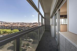 Piso En venta en L'Hospitalet de Llobregat photo 0