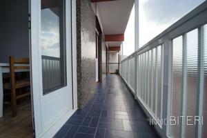 Vivienda muy luminosa y con hermoso balcón photo 0
