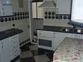 Vivienda de 3 dormitorios, 1 baño, cocina con lavadero, salón-comedor y terraza. photo 0