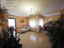 En venta piso de 110 m2 con 3 dormitorios, junto Paseo San Isidro por 35.000 € photo 0