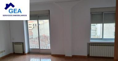 Piso en alquiler en Albacete de 109 m2 photo 0
