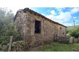 Casa rustica en venta en Quintana (Corvera de Toranzo) photo 0