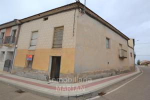 Casa - Chalet en venta en Nava de Roa de 194 m2 photo 0