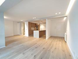 Precioso piso reformado en Rua Armanya photo 0