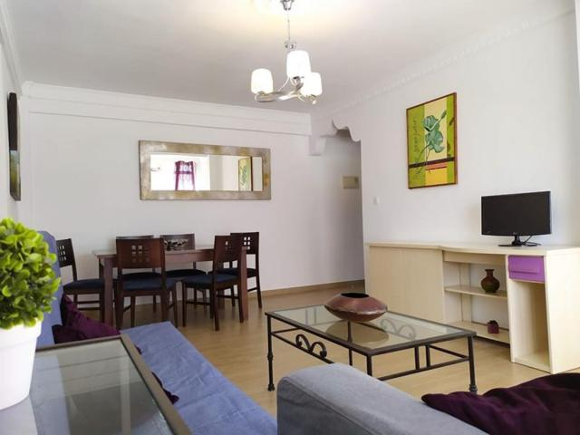 Amplio piso reformado photo 0