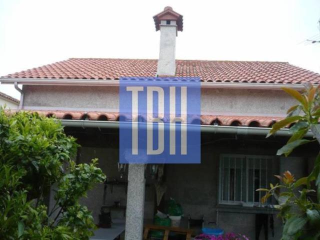 Casa unifamiliar en venta en Coruxo-Oia-Saiáns photo 0