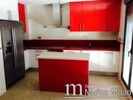 Casa adosada en venta en Sepulcro Bolera-Universidad-Hermanos Falcó photo 0