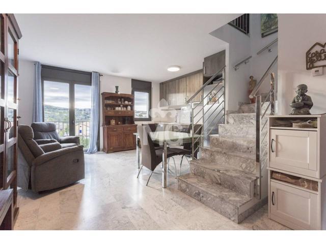 Duplex en venta en Roda de Ter photo 0