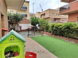 Planta baja esquinera con gran terraza de 200m2 en Castellbisbal photo 0