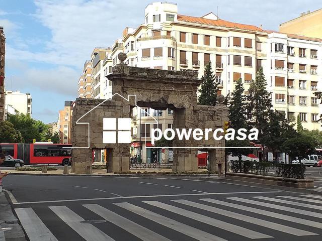 Piso en venta en Zaragoza de 116 m2 photo 0